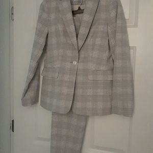 NWOT Calvin Klein Slim-Fit Suit, Size 4 and 6